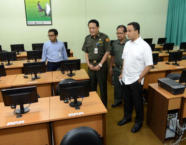 Photo of Blusukan UN, Mendikbud Sanjung SMKN 20 Jakarta