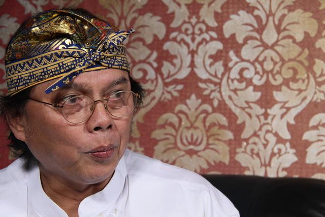 Photo of Sasmito Hadinegoro : Lantang Menentang Jebakan Utang Abadi