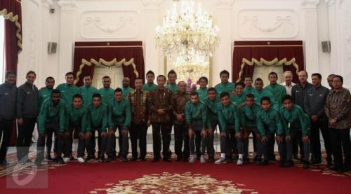 Photo of Presiden Jokowi Beri Bonus Untuk Timnas Indonesia