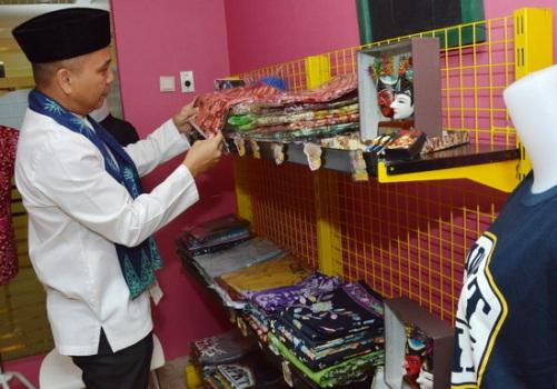 Photo of Ada Rumah Souvenir Betawi di Grand Cempaka Business Hotel