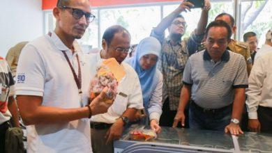 Photo of Jelang Lebaran, Sandiaga Uno Sebut Stok Daging Ayam Aman