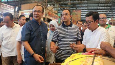 Photo of Kunjungi Pasar Induk Kramatjati, Anies Pastikan Stok Lebaran Aman