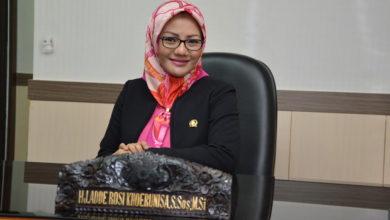 Photo of Adde Rosi Khairunnisa: Mantan Paskibraka yang Mencalonkan diri Menjadi Anggota DPR RI