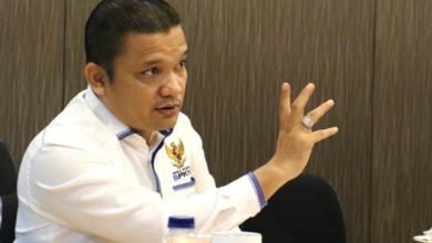 Photo of Rolas Sitinjak Pertanyakan Niat Penentang Beleid Perlindungan Konsumen dari Menteri PUPR