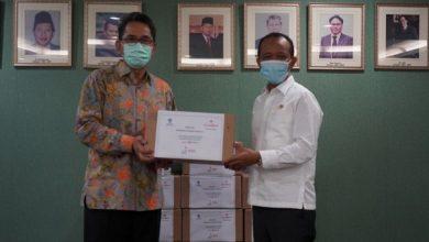 Photo of BKPM Terima Donasi 9.936 Botol Hand Sanitizer dari Cap Lang