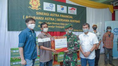 Photo of Sinergi dengan Kostrad, Asuransi Astra Salurkan 1.000 Paket Sembako untuk Masyarakat Cibinong