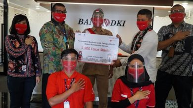 Photo of Bank DKI Berikan Bantuan 2500 Face Shield untuk Petugas Bus Transjakarta