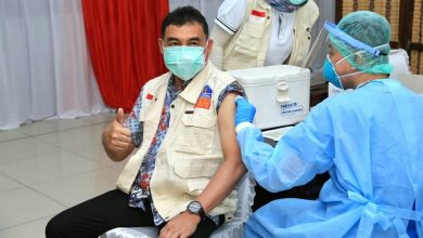 Photo of LPDB-KUMKM Gelar Vaksinasi Massal Guna Tekan Penyebaran Covid-19