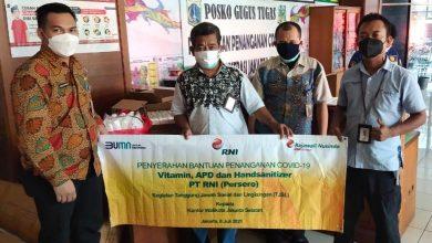 """Photo of Dukung Gerakan """"Kita bersama Nakes"""" RNI Salurkan Bantuan untuk Nakes dan Warga yang Isolasi di Wilayah Jakarta"""